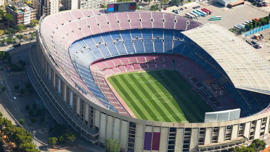 Estudian permitir que haya público en partidos del Barça