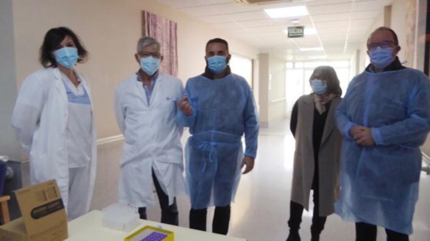 El PSOE nuciero exige la dimisión de Bernabé Cano por vacunarse antes de tiempo