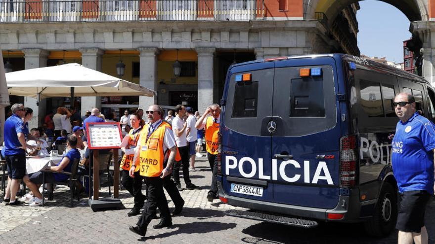 Cuatro meses de cárcel para ocho hinchas del Leicester detenidos en Madrid