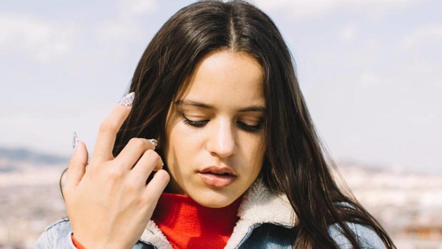 La cantant Rosalía es talla els cabells