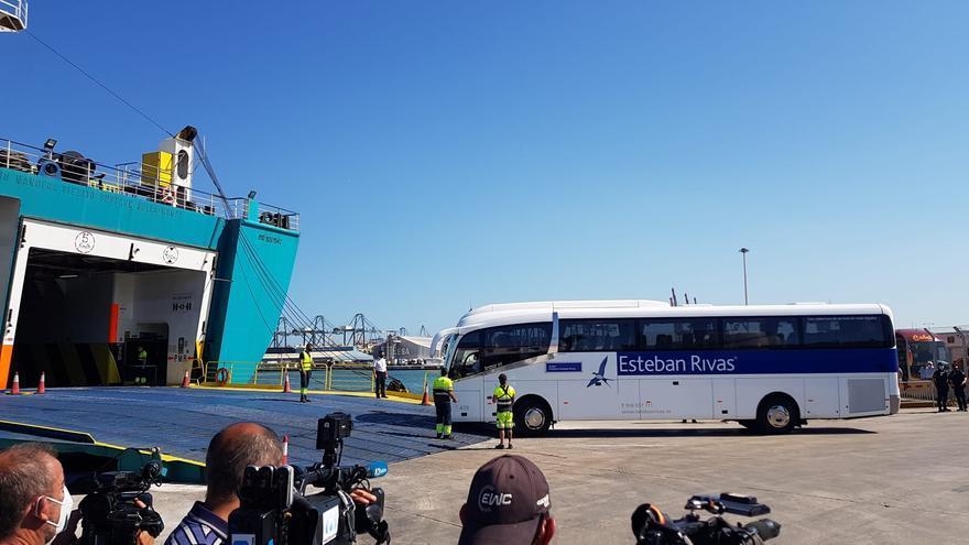 Directo | Desembarco de los estudiantes del brote de Mallorca en el Puerto de València