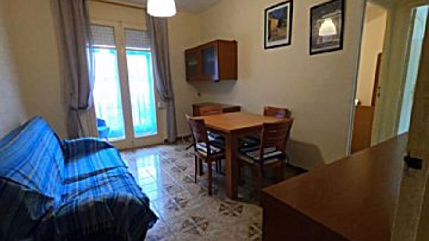 375 € Alquiler de piso en Castelló-Castellón de la Plana (centro) 85 m2, 3 habitaciones, 1 baño, 4 €/m2...