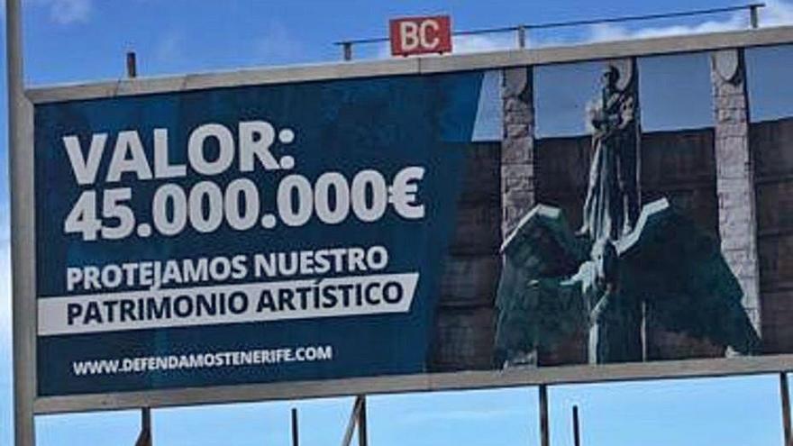 Aparece una valla en la capital que defiende el valor del monumento a Franco