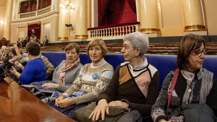 Selfies con senadores y desde la tribuna: El Senado abre sus puertas a todos