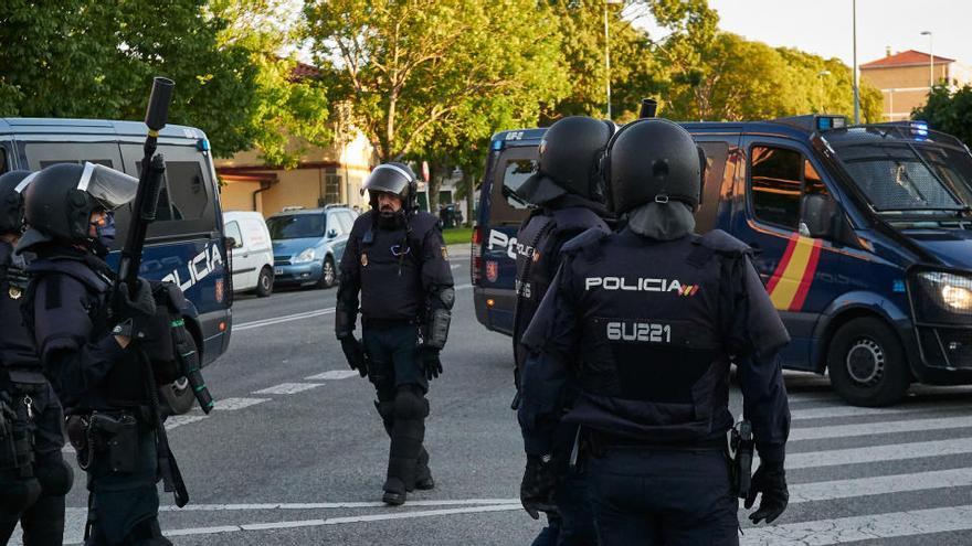 Interior dotará con pistolas táser a los policías encargados de patrullar
