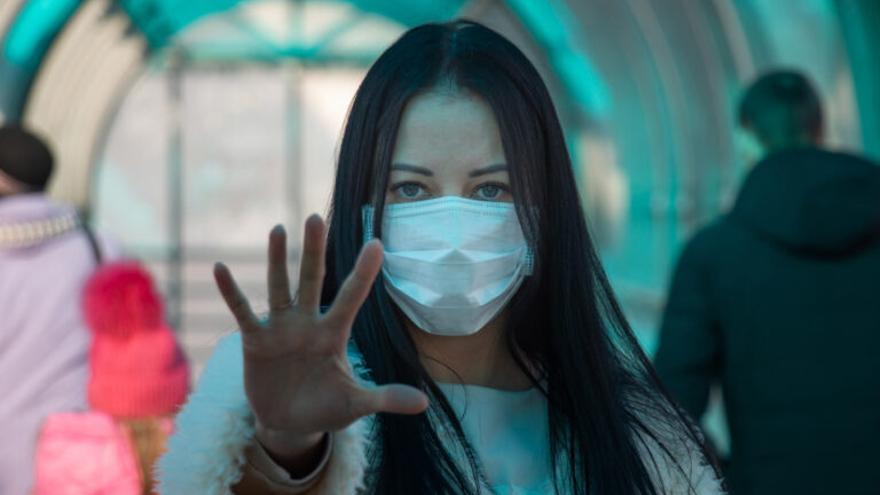 La mascarilla ya venció a otras pandemias: ¿Deberíamos seguir usándola contra la gripe?