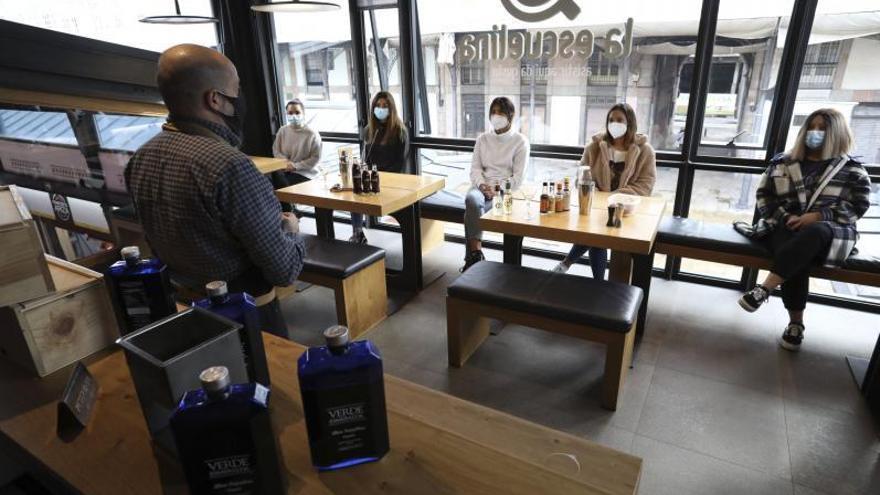 Varios desempleados de hostelería aprovechan el parón del sector para mejorar su formación