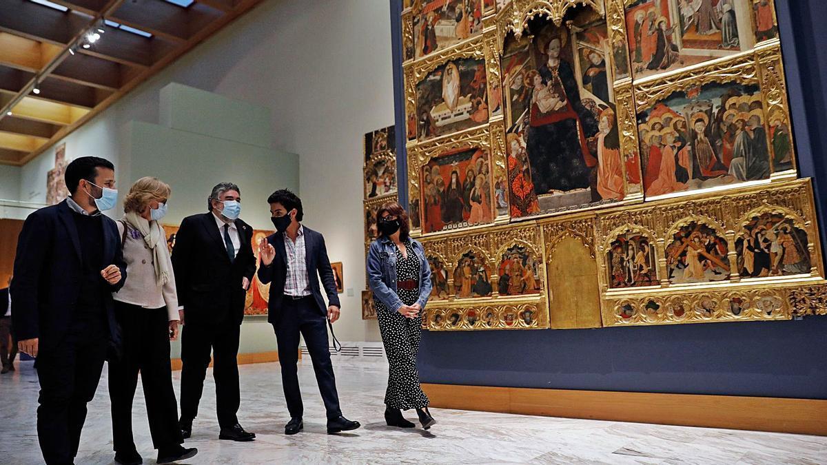 El ministro Uribes junto al conseller Marzà en el Bellas Artes.