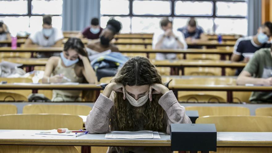 Los alumnos de la PAU de septiembre solo pueden elegir 28 de los 90 grados universitarios