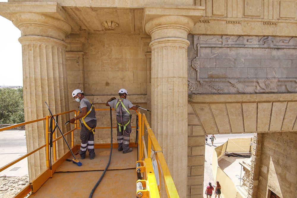Restauración de la Puerta del Puente