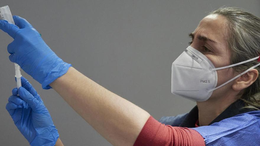 La falta de personal contribuye a frenar la campaña de vacunación