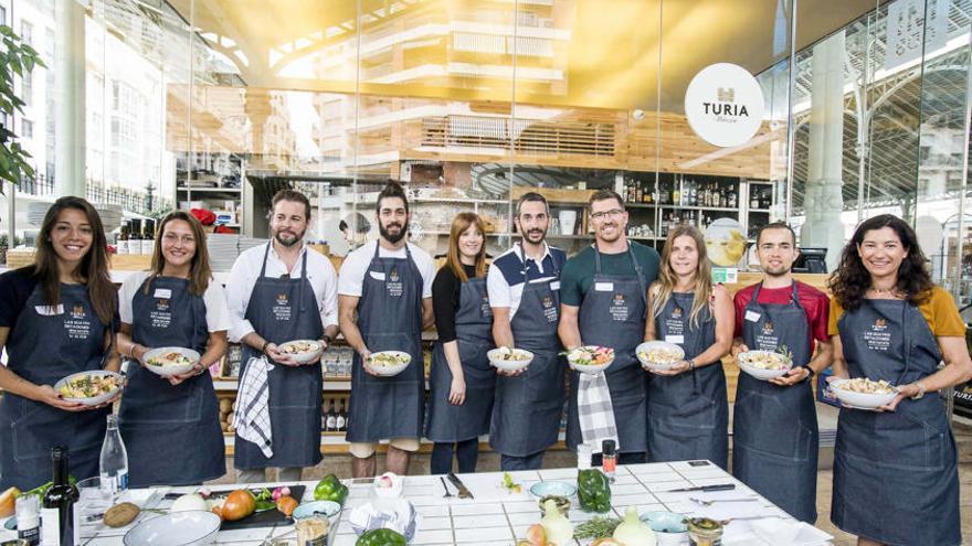 Siete deportistas de élite valencianos cocinan en el Mercado de Colón