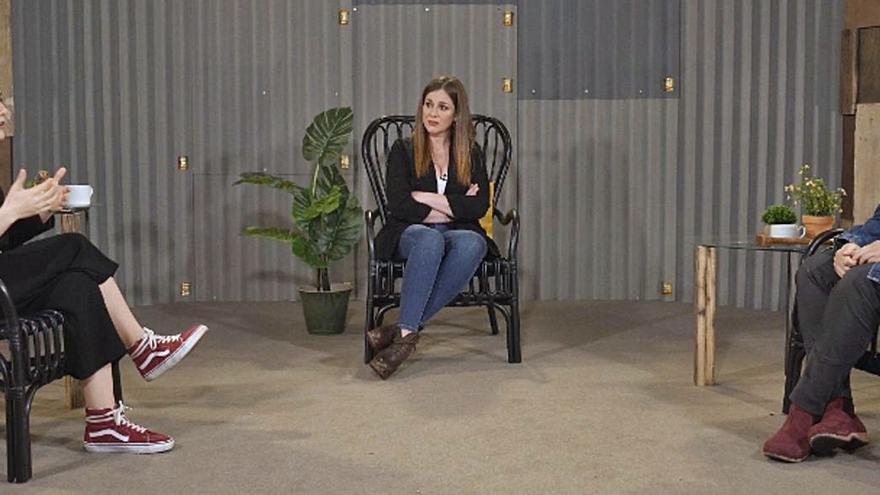 Elena Ferro charla sobre salud mental con Melania Cruz