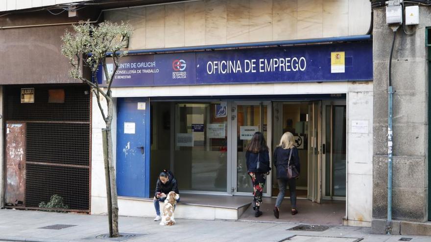 El paro en Galicia baja en 3.200 personas en 2019