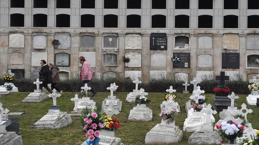 Día de todos los Santos en el cementerio de San Amaro