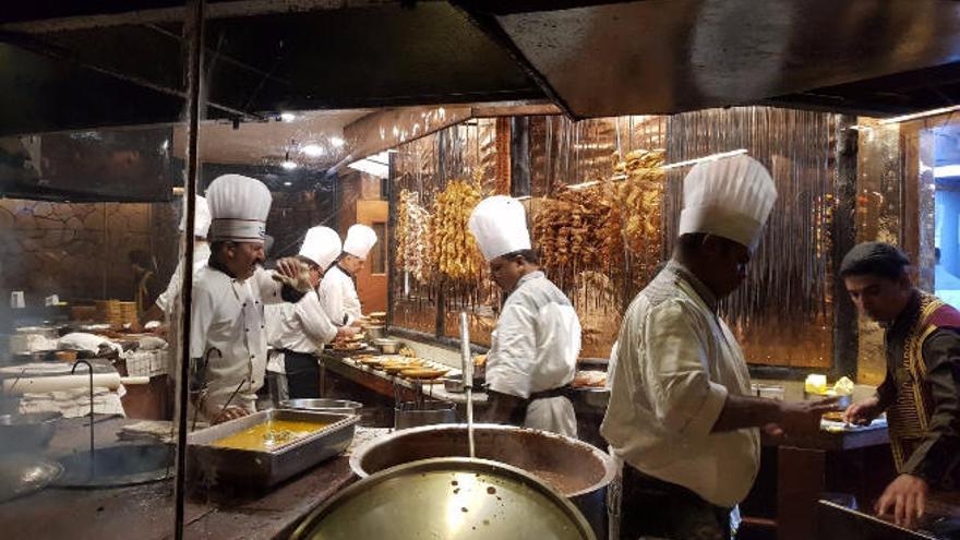 Varias comidas en India