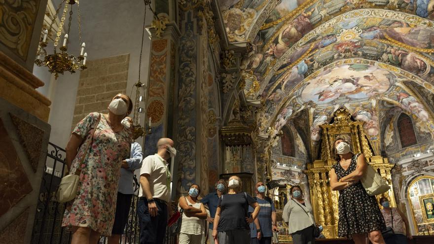 La iglesia de S. Nicolás se ve obligada a ampliar las visitas nocturnas