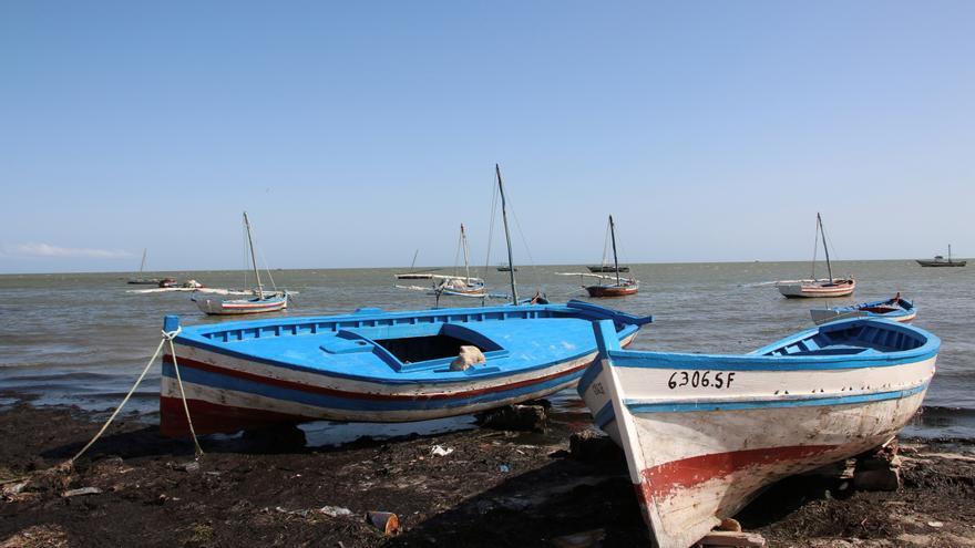 Rescatan a 98 migrantes cerca de la costa tunecina