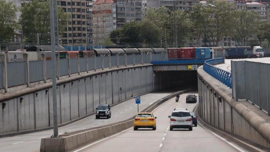 Tráfico en Vigo | Tráfico aconseja el túnel de Beiramar para evitar el  corte en la Alameda por los preparativos de la Navidad en Vigo