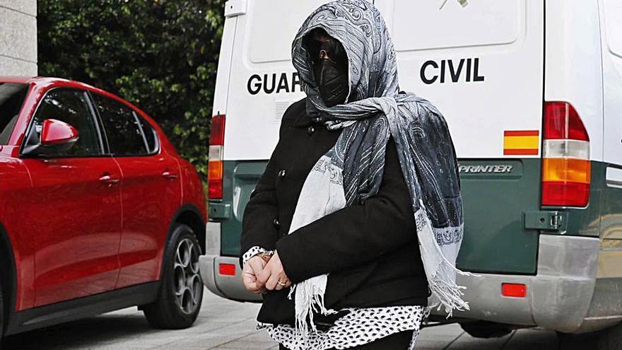 Condenada a 9 años por abusar de asistentas a las que sometió a exploraciones vaginales