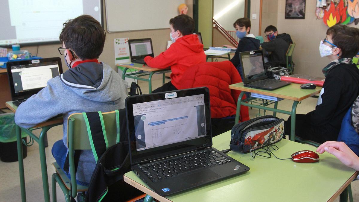 Alumnos en un colegio.