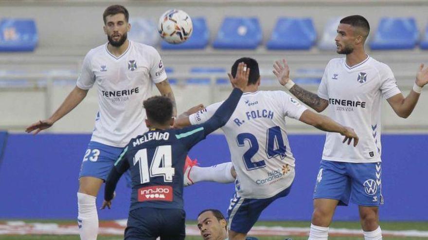 El Tenerife logra un empate ante el líder Espanyol