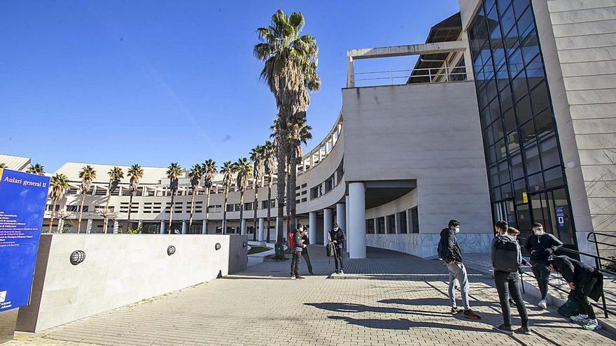Dos de cada tres exámenes finales en la Universidad de Alicante se harán online