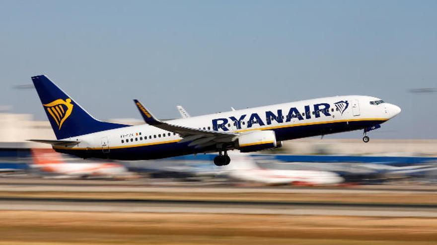 Ryanair abrirá tres nuevas rutas entre la península y Canarias