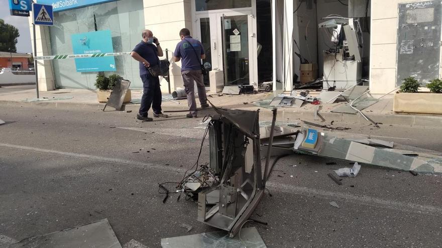 Revientan con explosivos el cajero de un banco de Els Poblets