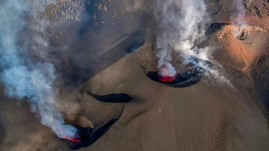 Recomiendan permanecer en interiores por la mala calidad del aire del volcán de La Palma