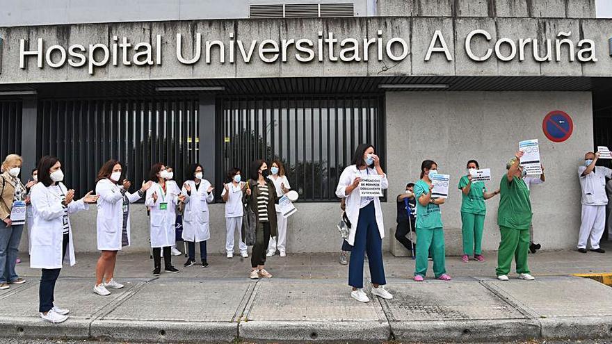 Los trabajadores del Hospital de A Coruña reclaman el cese de la Dirección de Enfermería