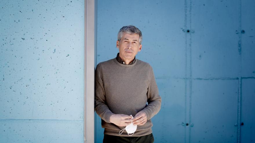 """Antonio Alcamí: """"Podemos medir cuánto coronavirus hay en el aire"""""""