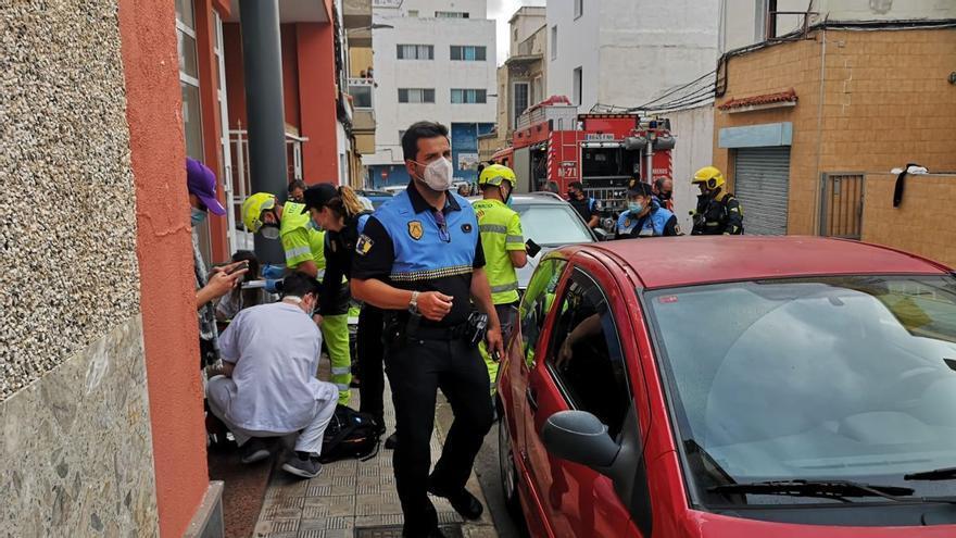 Fallece un hombre en un incendio en Tenerife