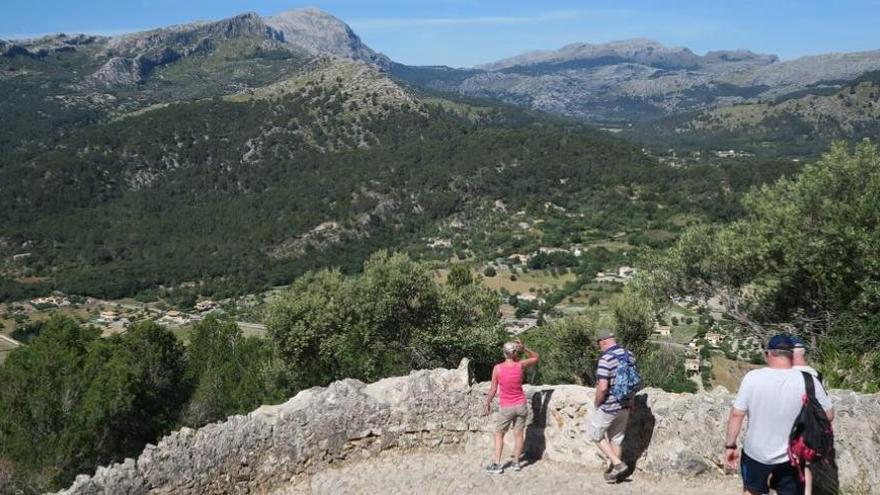 Mallorcas Inselrat verlängert die Trockensteinmauer-Route