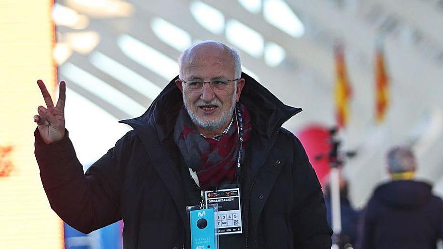 Juan Roig amplía su apoyo: «Vamos  a seguir poniéndonos nuevos retos»