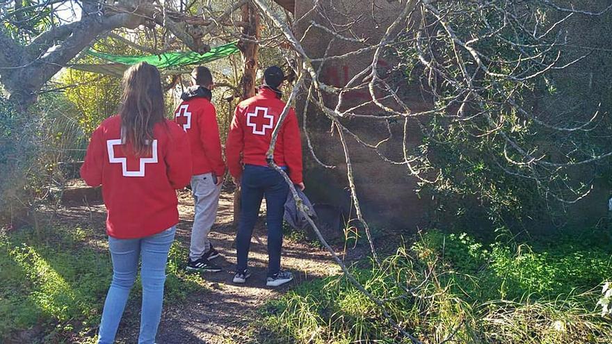 La Cruz Roja ayuda a los sintecho de Oliva
