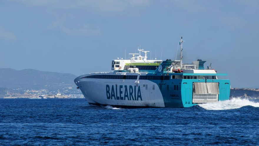 Baleària cancela para el domingo y lunes ferris con salida o destino a Ibiza