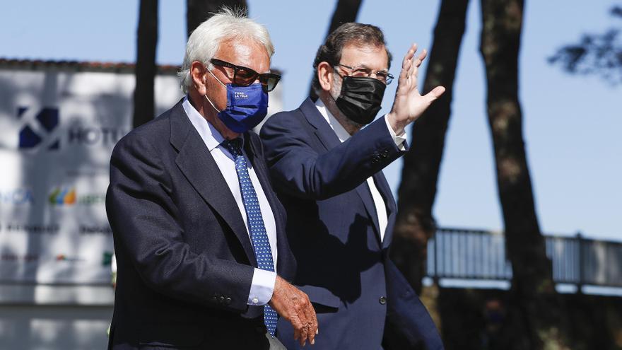"""Rajoy y González apelan al """"diálogo y consenso"""" de la Constitución: """"Permite la convivencia"""""""