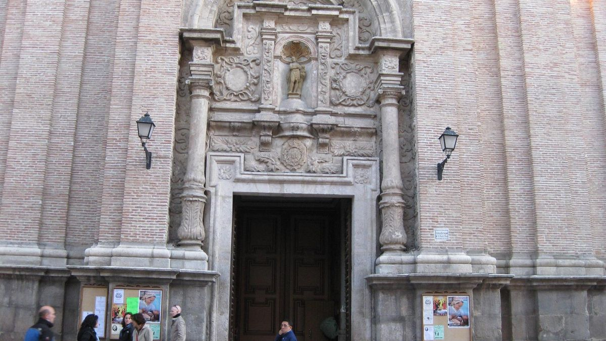 La  fachada de la Iglesia de San Juan el Real de Calatayud ahora convertida en monumento