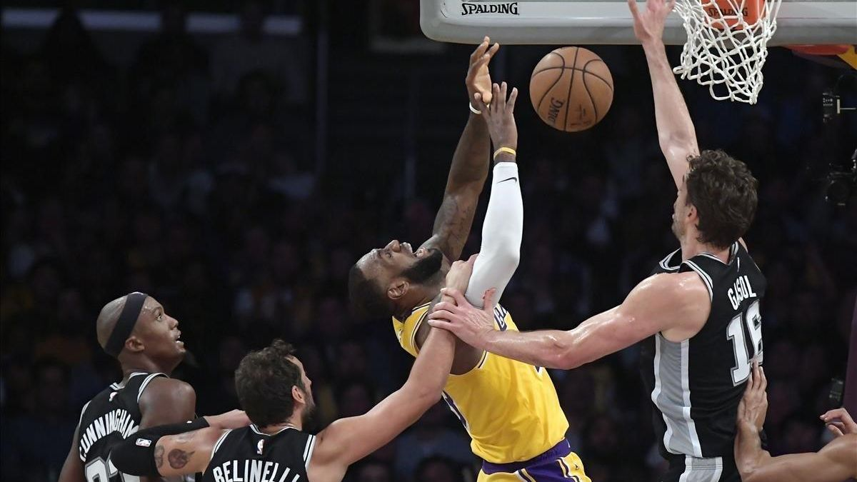 Los Lakers siguen sin ganar con Lebron James