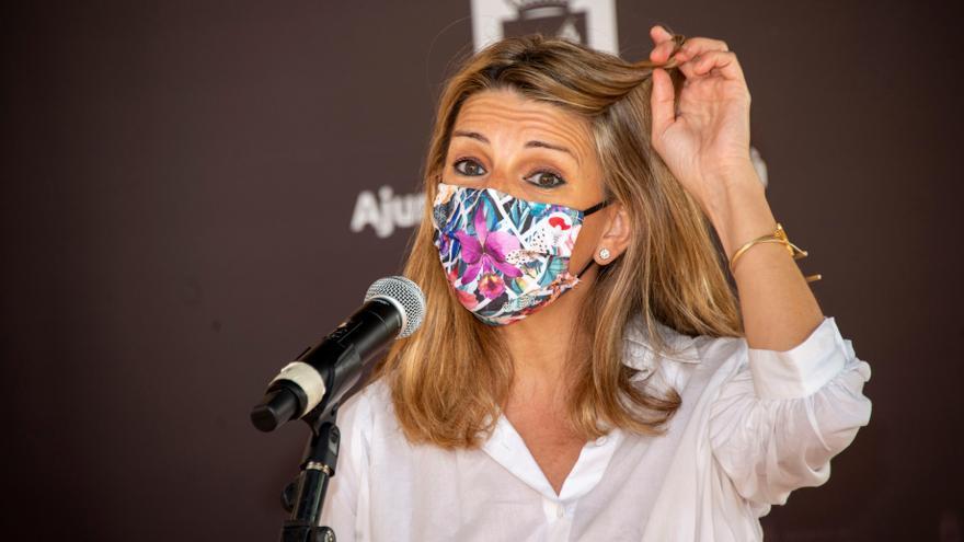 """Yolanda Díaz pide a los sindicatos """"un esfuerzo más"""" para mantener los ERTE"""