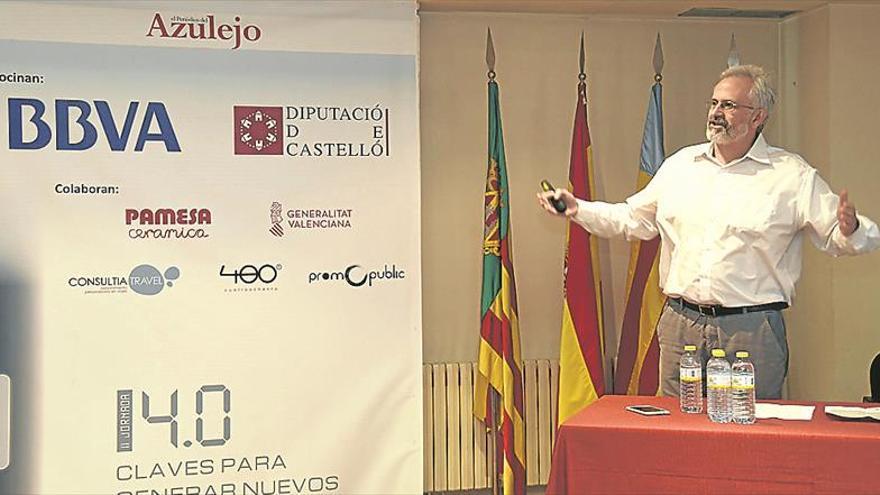 «El azulejo debe colaborar con más centros de investigación»