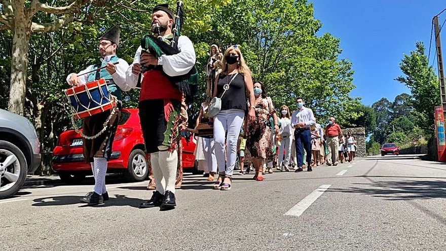 Voladores y procesiones para unas fiestas del Carmen descafeinadas por el virus
