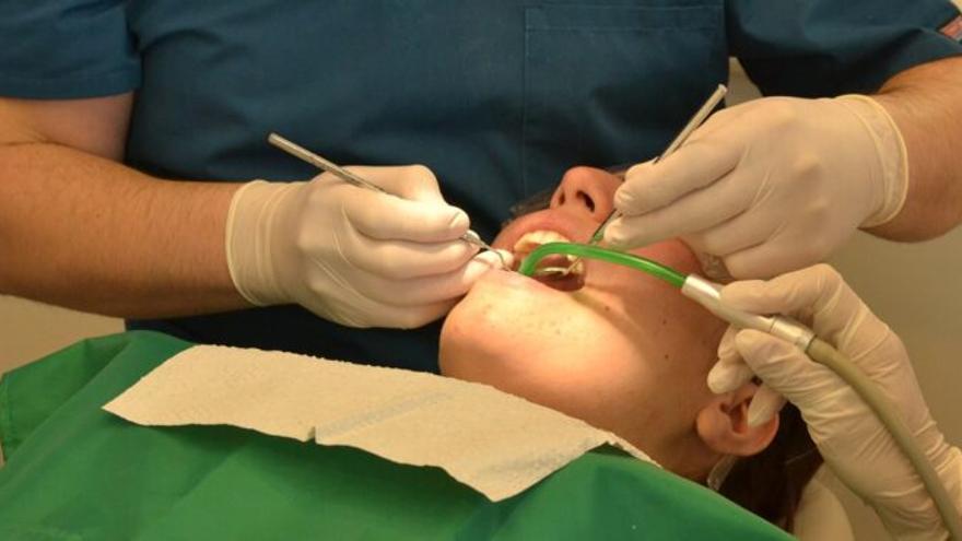 Así es la periodontitis, la enfermedad de las encías que puede agravar los síntomas de coronavirus