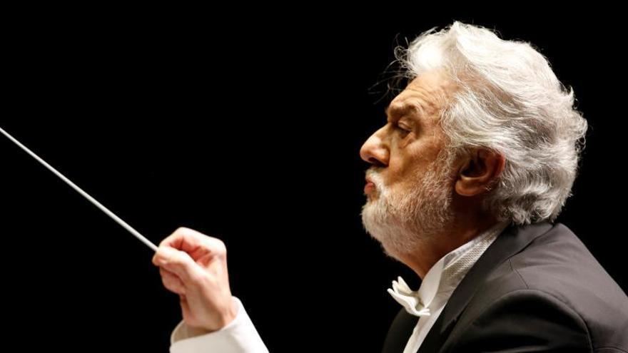 La Ópera de Los Ángeles ve creíbles las acusaciones a Plácido Domingo