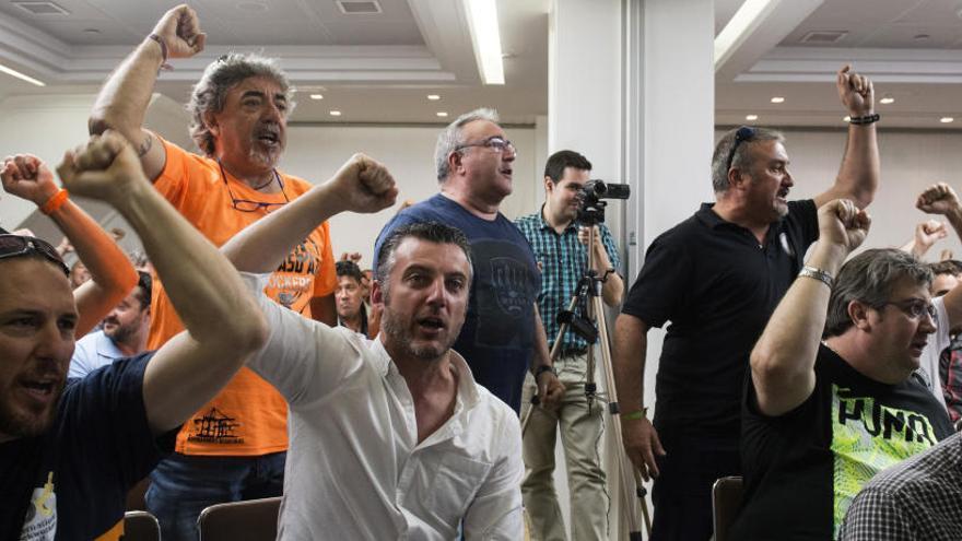 Los estibadores inician desde hoy ocho jornadas de huelga