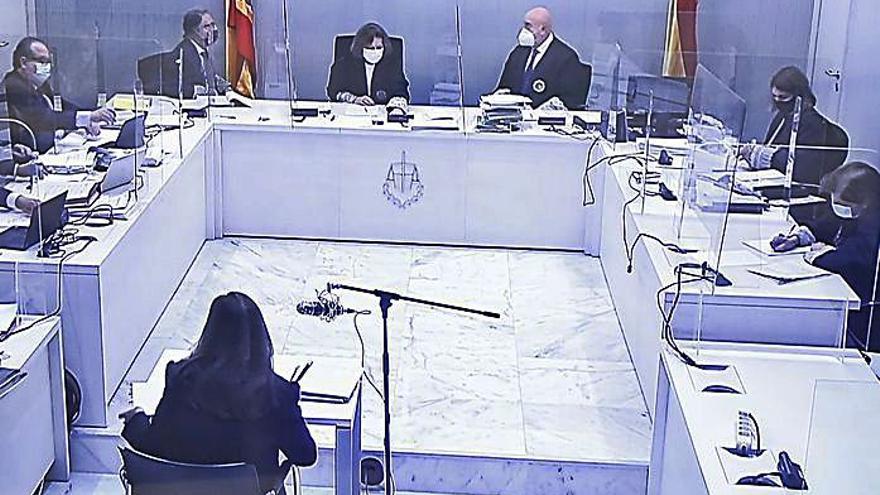La presidenta de la sala a Amorós: «No es la primera vez que viene por aquí»