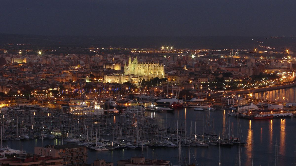 Vista aérea de parte del puerto de Palma.