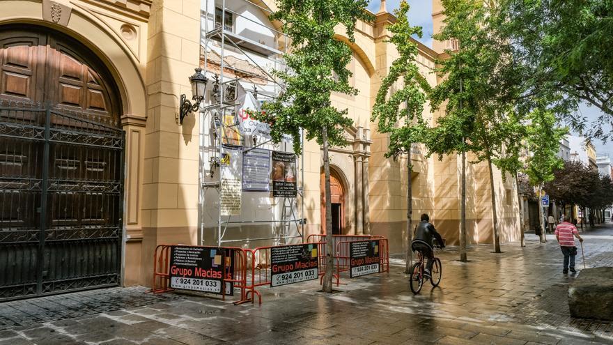 El ayuntamiento avala la retirada del tejadillo y la reja de Las Descalzas