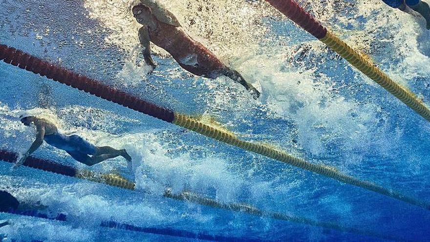 Fallece por COVID-19 una nadadora de 14 años
